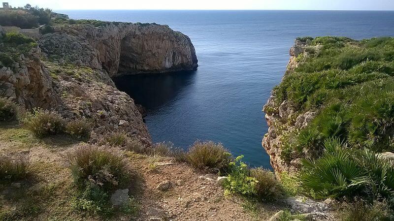 Terrasini e dintorni: spiagge e grotte d'incanto